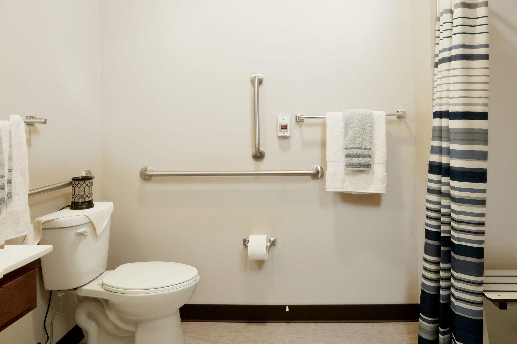 GateWay Two Bedroom Bathroom